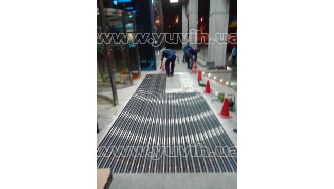 Грязезащитная решетка Лен резина-щетка-скребок для Business center 101 TOWER фото